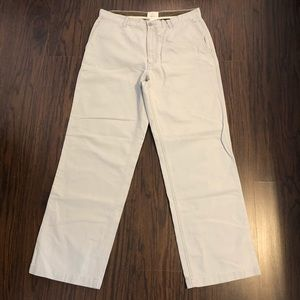 Gap khakis loose fit pants size 33X 30 -stkX16